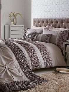 mia-duvet-and-pillowcase-set-silvergrey