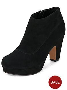 clarks-katelina-bay-ankle-boots
