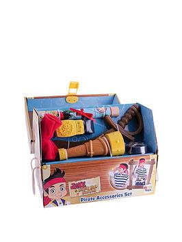 jake-and-the-neverland-pirates-set-of-accessories