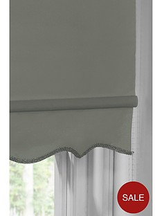 hamilton-mcbride-scalloped-edge-roller-blind