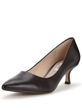 clarks-aquifer-soda-kitten-heel-court-shoe