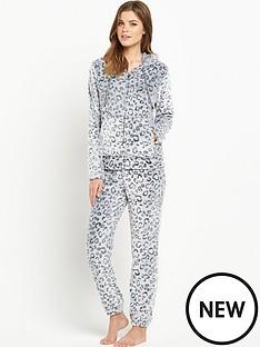 sorbet-leopard-burnout-fleece-twosie
