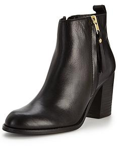carvela-tanga-zip-detail-leather-ankle-boot