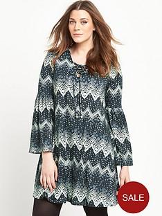 so-fabulous-bell-sleeve-lace-up-swing-dress