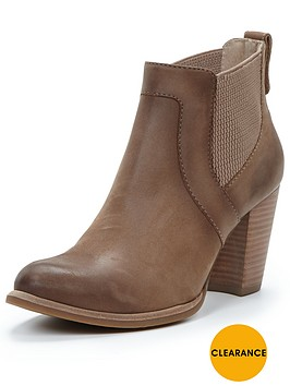 ugg-cobie-heeled-chelsea-boots