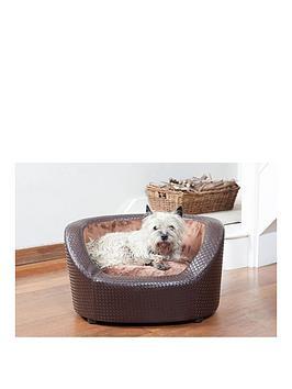 brown-basketweave-tub-bed
