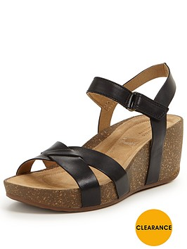 clarks-temira-compass-sandal