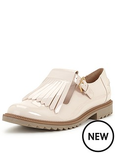 clarks-griffin-mia-tassel-brogue-shoe