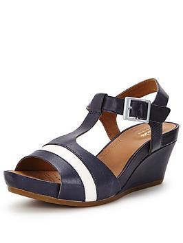 clarks-rusty-rebel-sandals