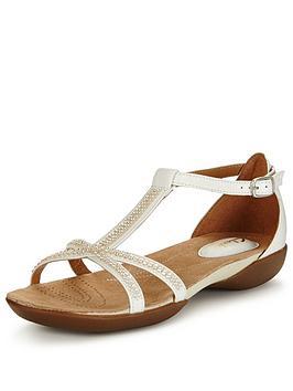 clarks-raffi-star-sandal