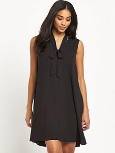 glamorous-tie-neck-shift-dress