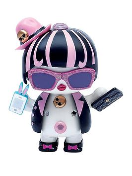 u-hugs-original-character-doll-sassy-fashion