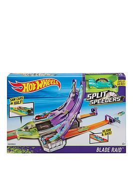 hot-wheels-split-speeders-blade-raid-track-set