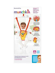 munchkin-bounce-and-play-door-bouncer