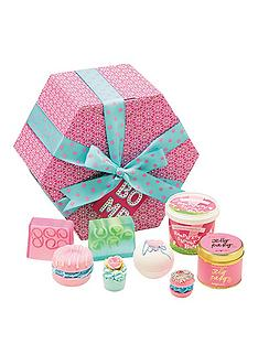 bomb-cosmetics-hat-box-collection