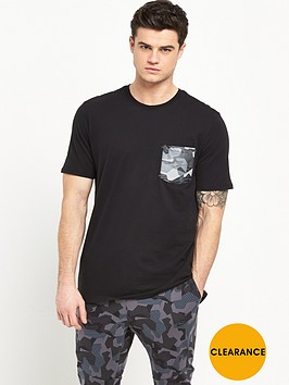 nike-drop-hem-pocket-t-shirt