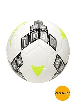 nike-team-strike-football