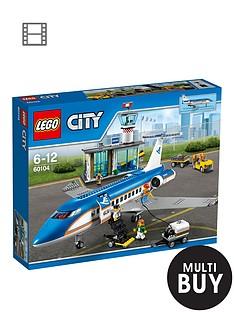 lego-city-airport-passenger-terminal-60104-amp-free-lego-city-brickmaster