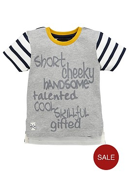 mini-v-by-very-boys-slogan-and-stripe-drop-hem-t-shirt