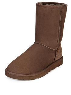 ugg-australia-classic-short-boots-chocolate