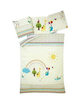 ladybird-sing-a-rainbow-quilt-and-bumper