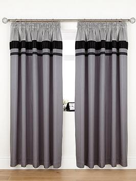 velvet-panel-curtains