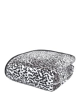 catherine-lansfield-animal-print-raschel-throw-giraffe-silver