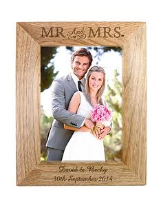 personalised-7x5-mr-and-mrs-wooden-photo-frame