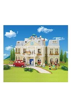 sylvanian-families-grand-hotel