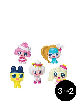 tamagotchi-friends-dream-school-classmates-5-figure-pack