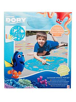 finding-dory-outdoor-stencil-fun-set