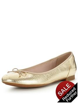 clarks-couture-bloom4-ballerina-shoe