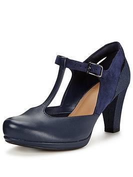 clarks-chorus-gianbspt-bar-heeled-shoe