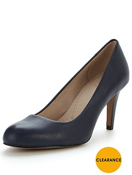 clarks-carlita-cove-mid-heel-court-shoe