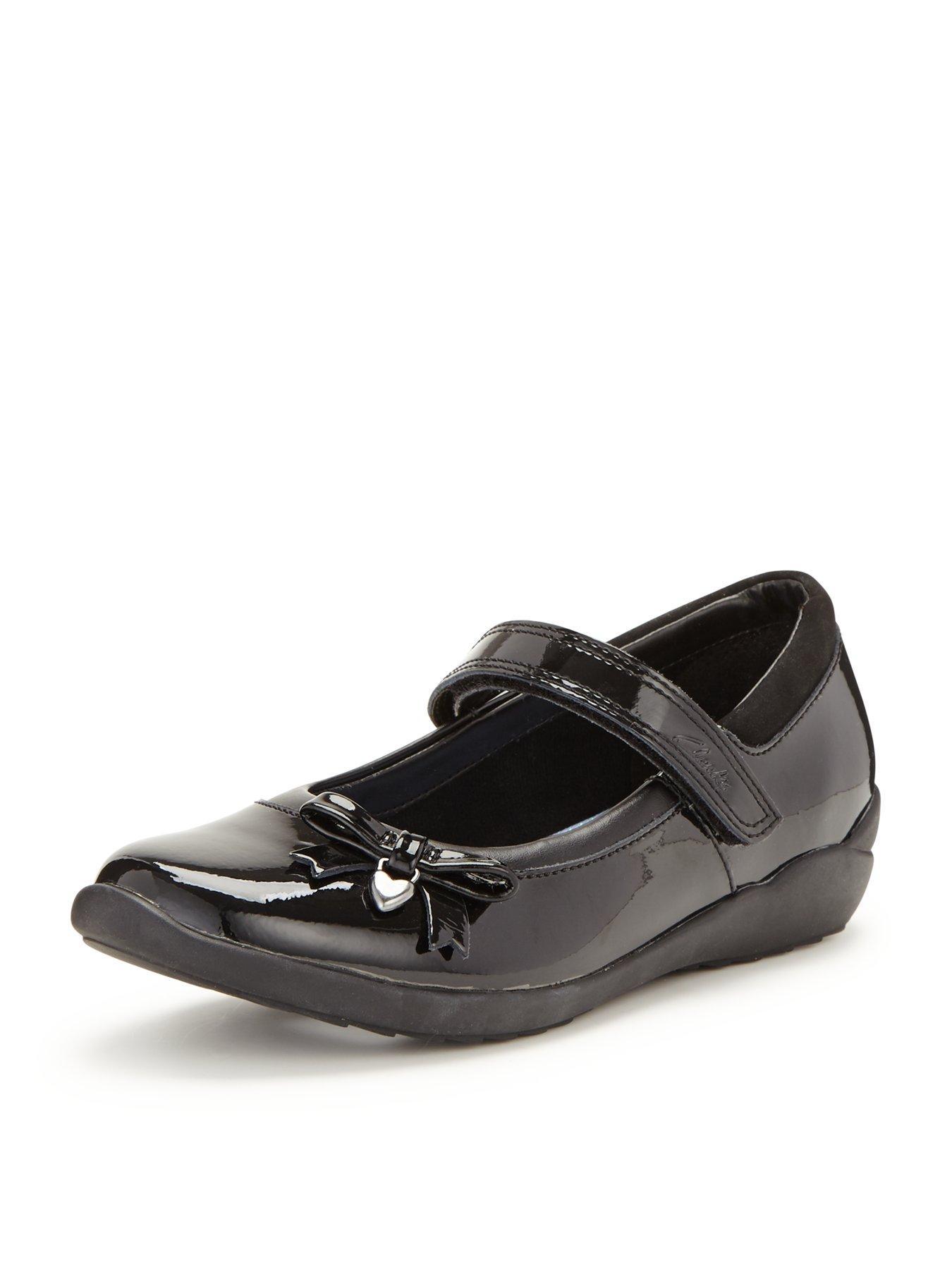 childrens clarks shoes online ireland