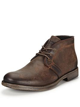 wrangler-castle-chukka-boot