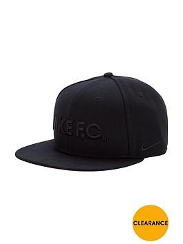 nike-snapback-cap