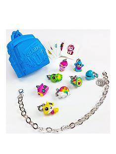 charm-u-charm-u-deluxe-8-pack-amp-bracelet-series-1