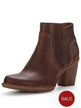 clarks-carleta-paris-ankle-boot-brown