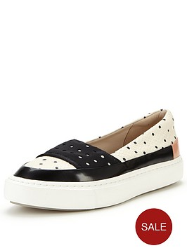 clarks-coll-amoure-flat-shoe