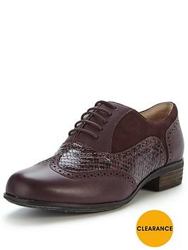 clarks-hamble-oak-brogue-shoe