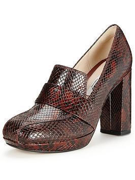 clarks-gabriel-soho-70s-heeled-loafer-dark-tan-snakeskin