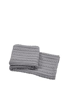knitted-cable-throw