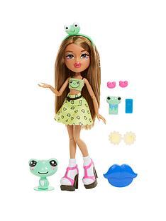 bratz-instapets-doll--yasmin