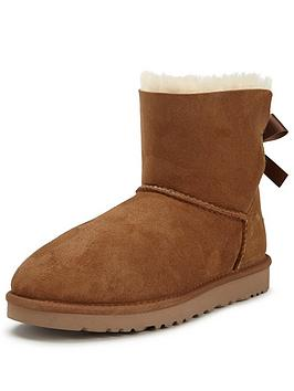 ugg-mini-bailey-bow