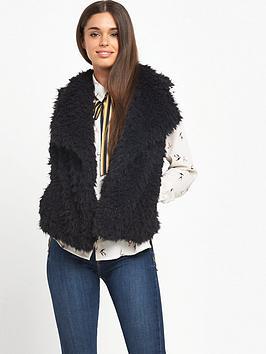 vero-moda-jayla-fake-fur-waistcoat