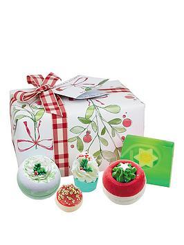 bomb-cosmetics-christmas-wishes-gift-set