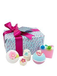 bomb-cosmetics-pocketful-of-posies-gift-set