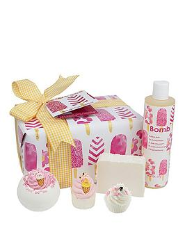 bomb-cosmetics-ice-cream-queen-gift-set