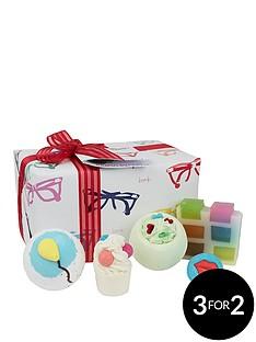 bomb-cosmetics-specs-appeal-gift-set